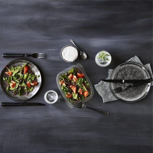 Image - Table dréssée et salade